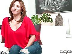 Pretty Milf Lisa Loves Sex 2