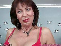 Older brunette Vanessa Videl knows well how to tur...